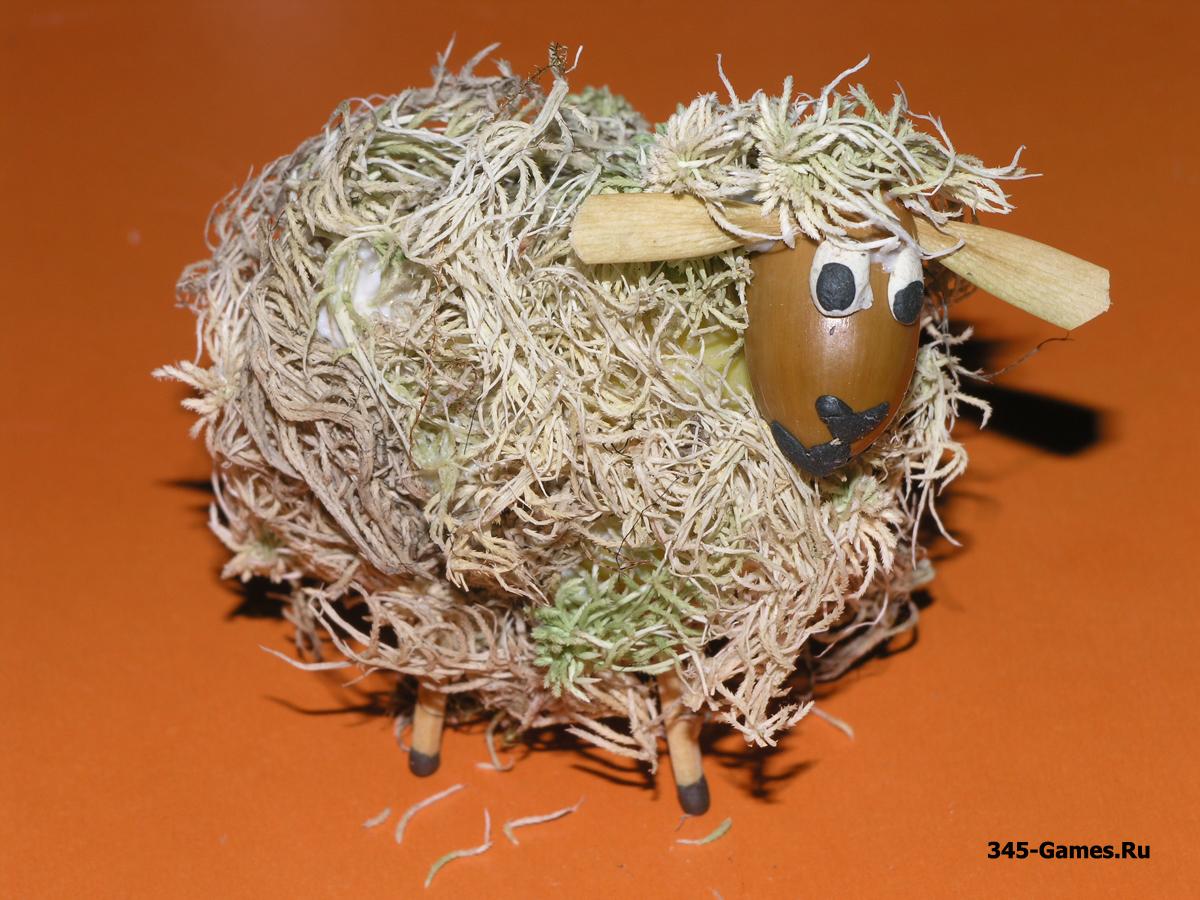 Клеим мох на овечку