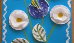 Поделка для мамы. Цветы из ватных палочек и дисков