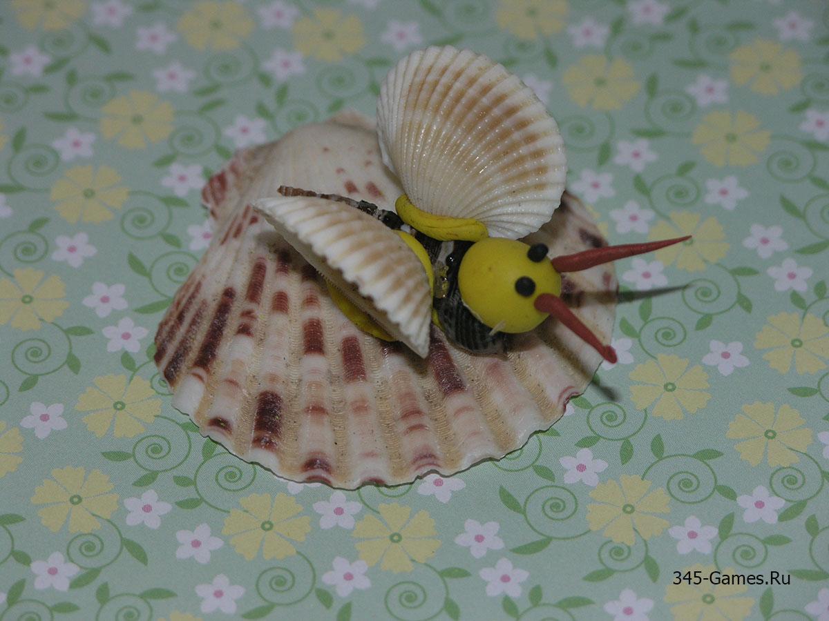 Бабочка из ракушек