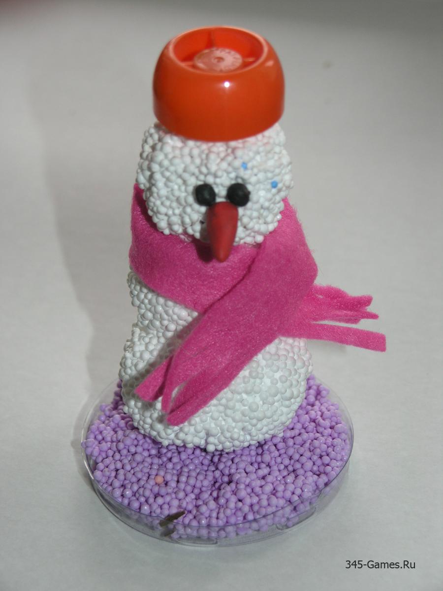 Снеговик из шарикового пластилина